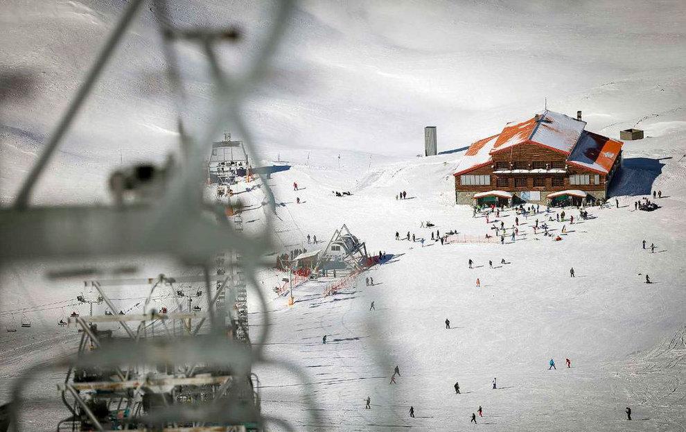 (تصاویر) لذت اسکی در برفهای پاییزی توچال - 11