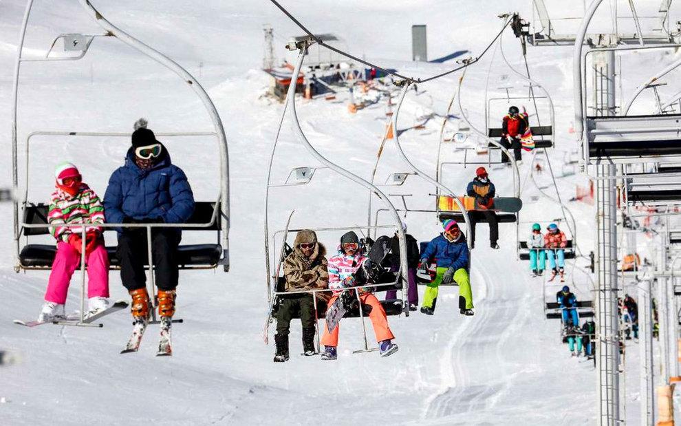 (تصاویر) لذت اسکی در برفهای پاییزی توچال - 3