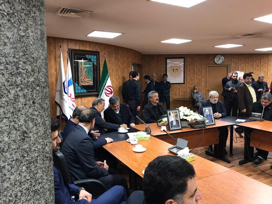 (تصاویر) استقبال از پیکر مدیر عامل تامین اجتماعی در تهران - 7