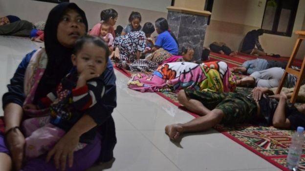 (ویدئو) سونامی مرگبار در اندونزی - 6