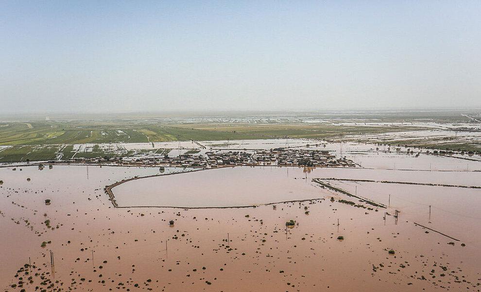 (تصاویر) بازدید هوایی وزیر کشور از مناطق سیلزده خوزستان - 12