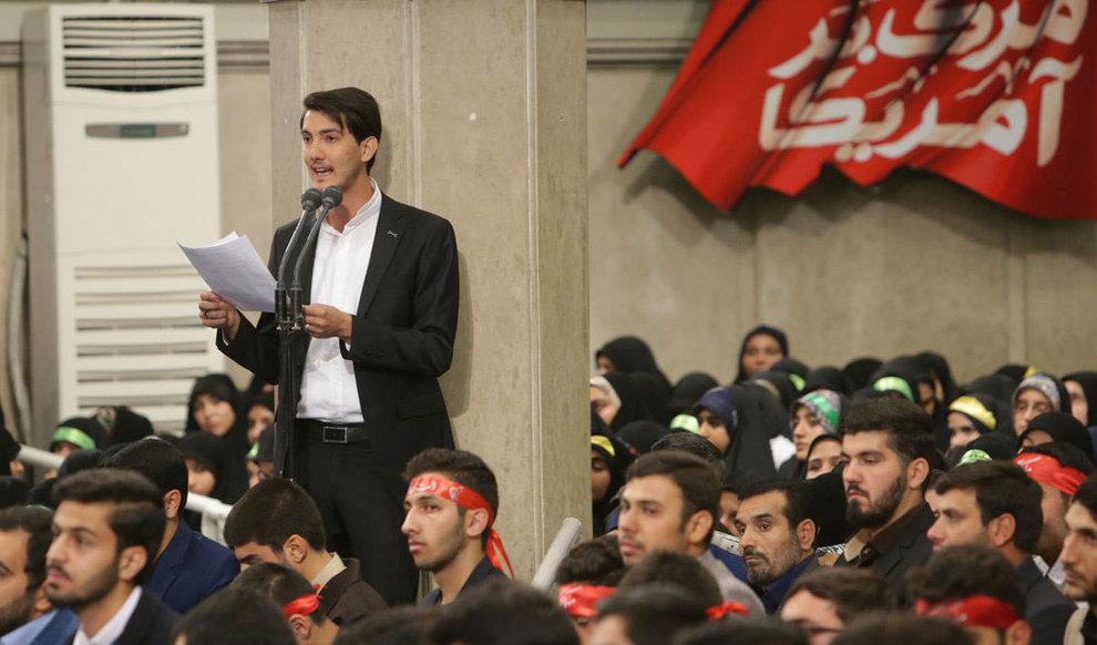 (تصاویر) دیدار رهبر انقلاب با دانش آموزان در آستانه ۱۳ آبان - 12