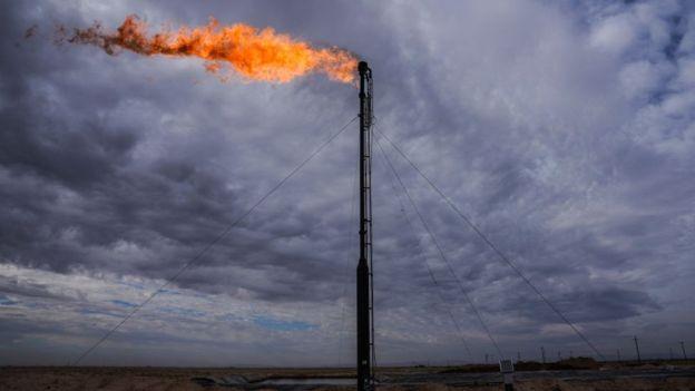 """عربستان ماه آینده ۵۰۰ هزار بشکه از صادرات نفت خود """"کم میکند"""" - 9"""