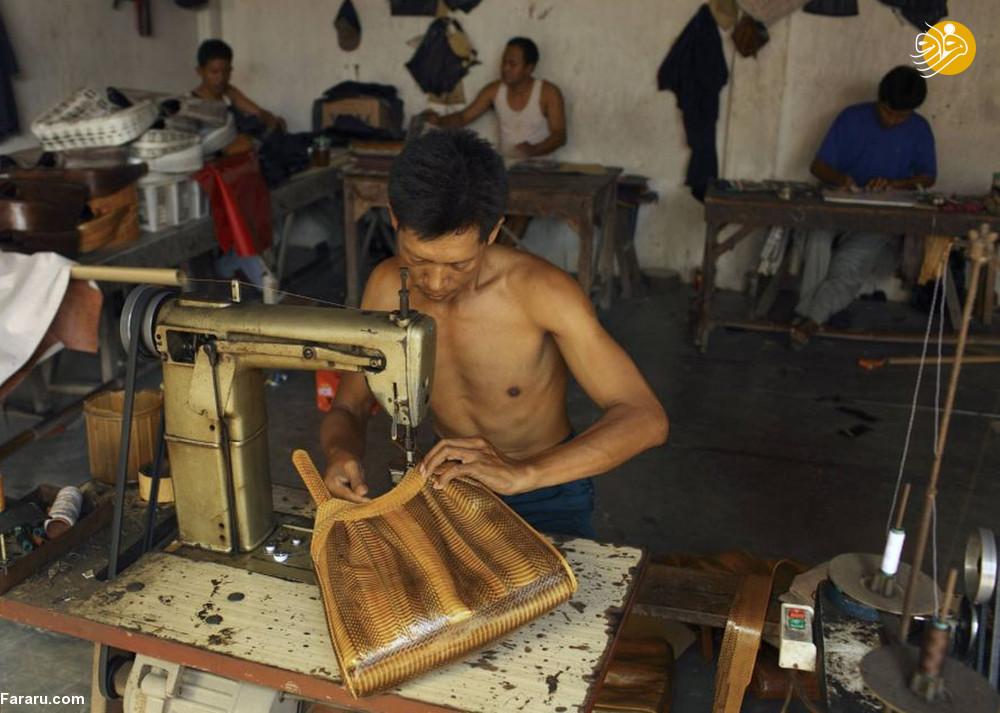(تصاویر) سلاخی مارها برای ساخت کیف و کفش! - 20