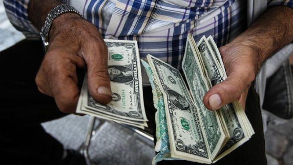 پدیده تازه بازار ارز؛ دلار کهنه میفروشیم - 0