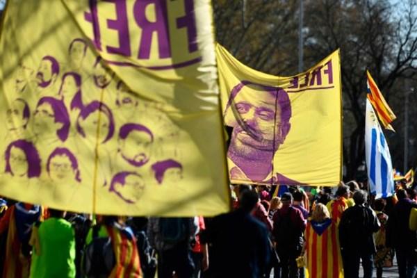 تظاهرات حامیان جدایی کاتالونیا به مادرید کشیده شد - 3