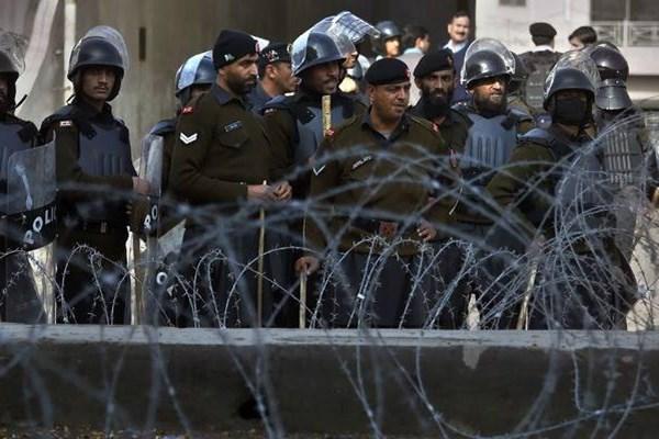 استقبال سرد مردم پاکستان از ولیعهد عربستان+تصاویر - 16