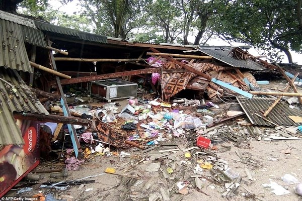 سونامی در اندونزی 62 کشته،  600  مجروح و 20  مفقود برجای گذاشت - 10