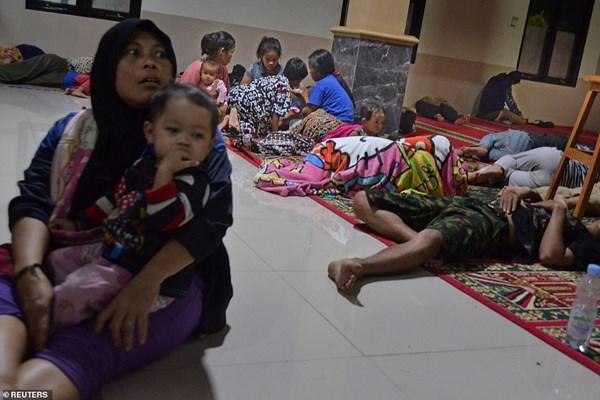 سونامی در اندونزی 62 کشته،  600  مجروح و 20  مفقود برجای گذاشت - 8