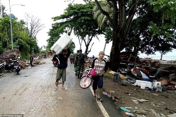 سونامی در اندونزی 62 کشته،  600  مجروح و 20  مفقود برجای گذاشت - 11