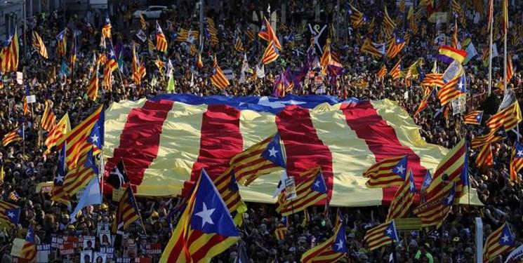تظاهرات حامیان جدایی کاتالونیا به مادرید کشیده شد