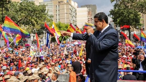 مادرو: در ونزوئلا کارگران حکومت میکنند؛ مردم: اقتصاد به یغما رفته است - 2