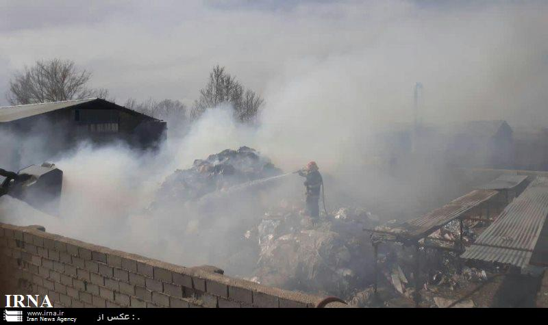 آتش سوزی مرکز جمع آوری ضایعات در ورامین مهار شد