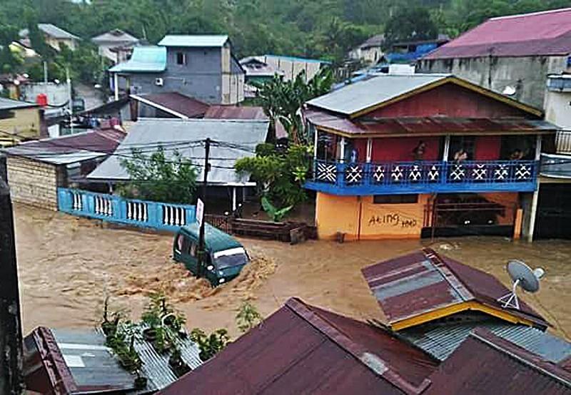 سیل جان ۴۲ نفر را در اندونزی گرفت