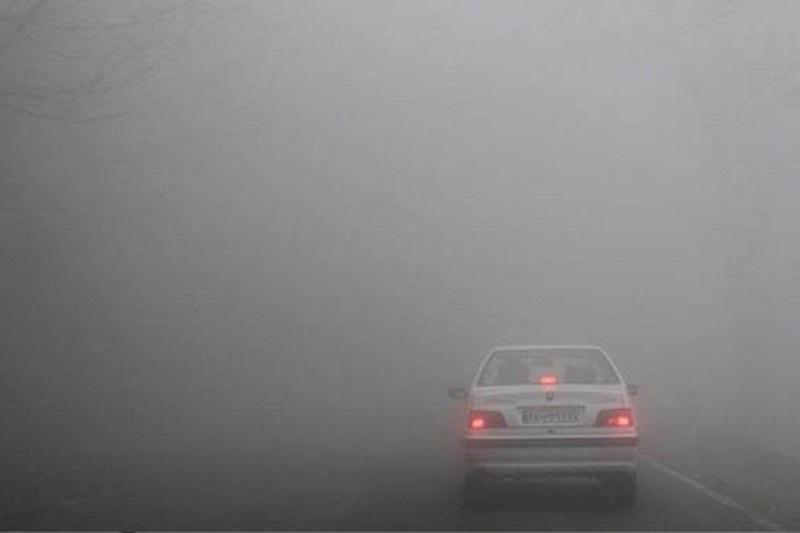 مه غلیظ، تردد در برخی محورهای اصفهان را کند کرده است