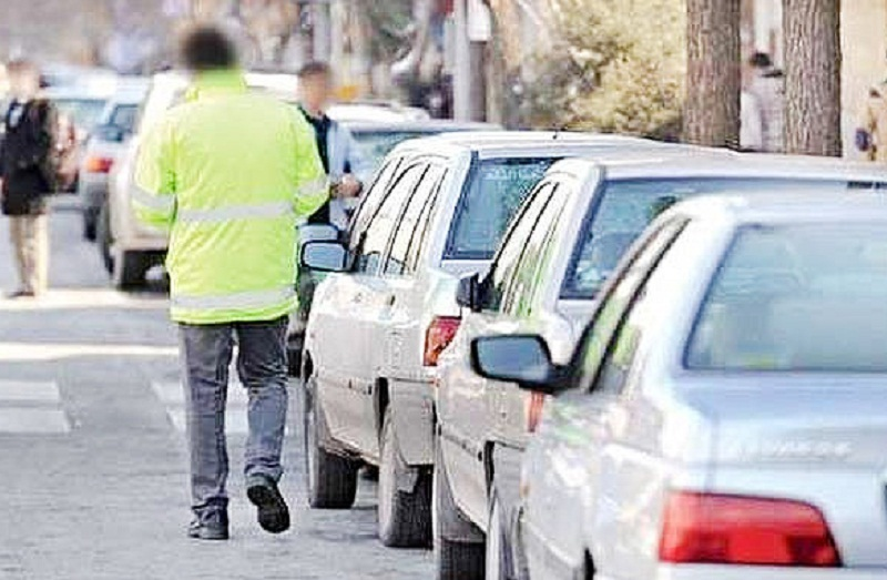 پارکبانان متخلف دستگیر و پارک خودرو در تاق بستان ساماندهی شد