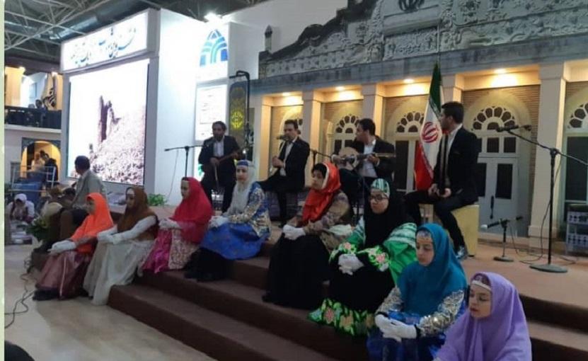 هنرمندان صنایع دستی قزوین در نمایشگاه گردشگری کشور حضور یافتند