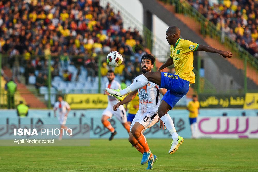 یک چهارم نهایی جام حذفی- دیدار تیمهای فوتبال صنعت نفت آبادان و سایپا - 3