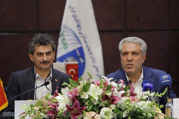ترکیه: ایران هتل کم دارد / ایران: ۱۴۰۰ واحد هتل داریم