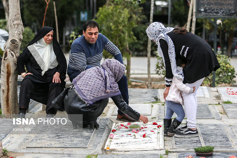 آخرین پنجشنبه سال در بهشت زهرا - 19