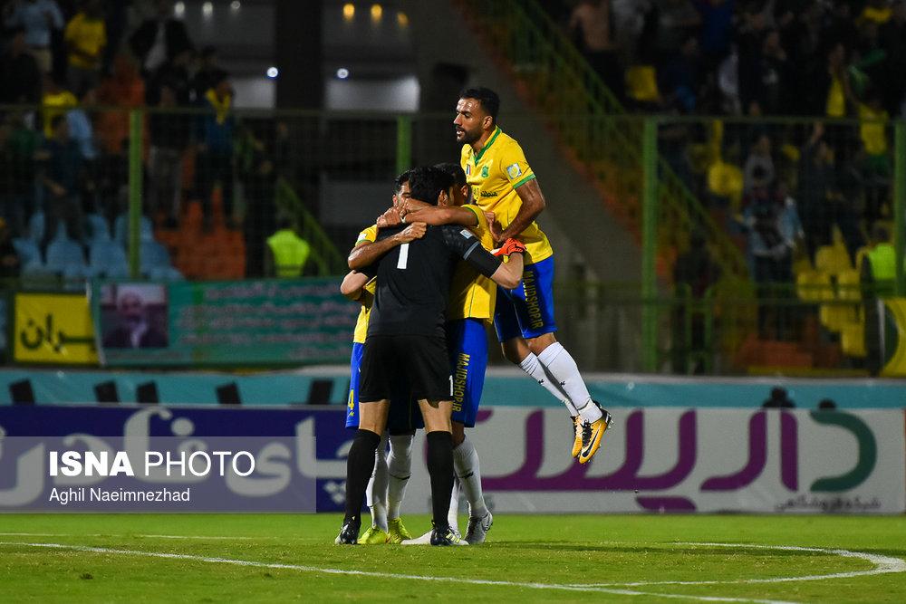 یک چهارم نهایی جام حذفی- دیدار تیمهای فوتبال صنعت نفت آبادان و سایپا - 17
