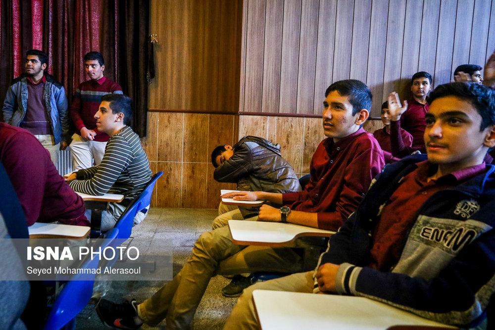 تماشای بازی پرسپولیس و کاشیما آنتلرز ژاپن در مدارس مشهد - 12