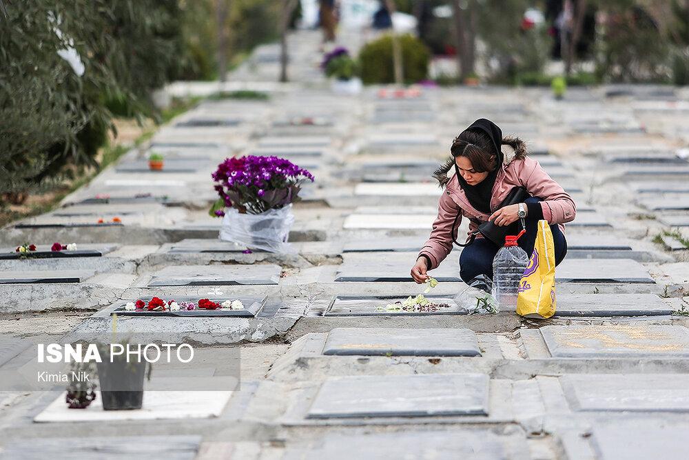 آخرین پنجشنبه سال در بهشت زهرا - 18