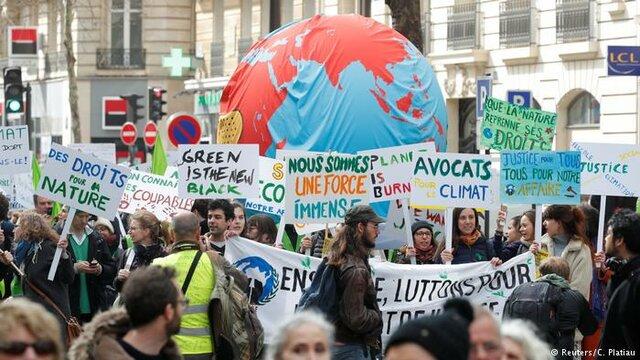 حضور هزاران طرفدار محیط زیست در «راهپیمایی قرن» پاریس