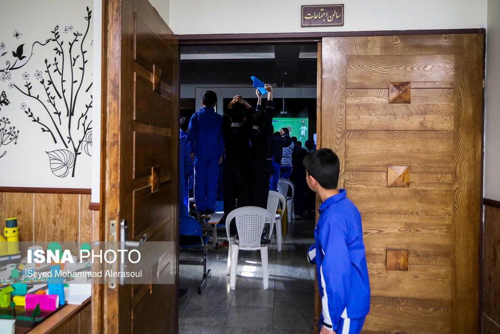 تماشای بازی پرسپولیس و کاشیما آنتلرز ژاپن در مدارس مشهد - 9