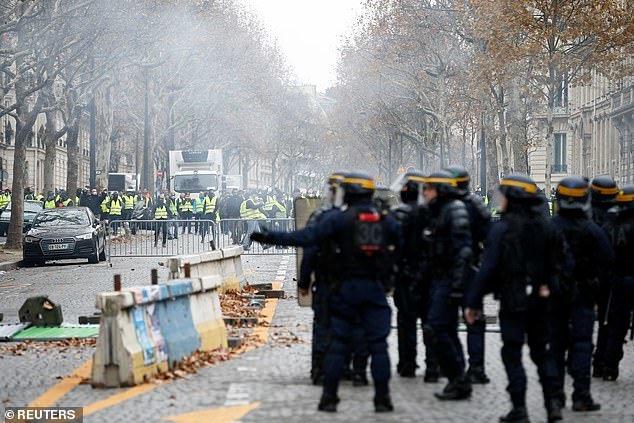 پاریس در تسخیر جلیقه زردها - 9