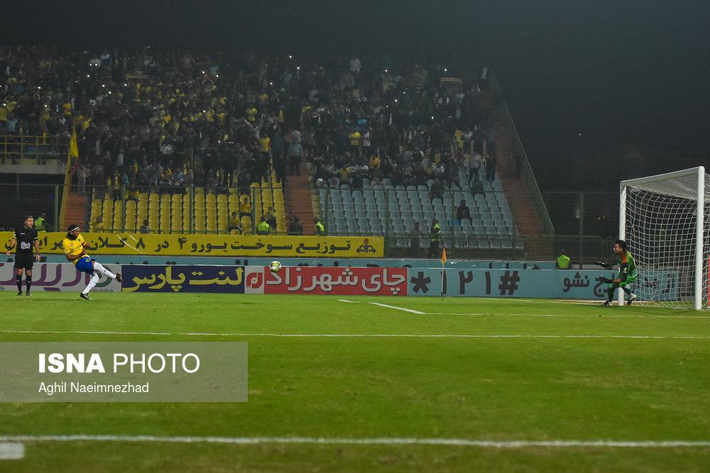 یک چهارم نهایی جام حذفی- دیدار تیمهای فوتبال صنعت نفت آبادان و سایپا - 12