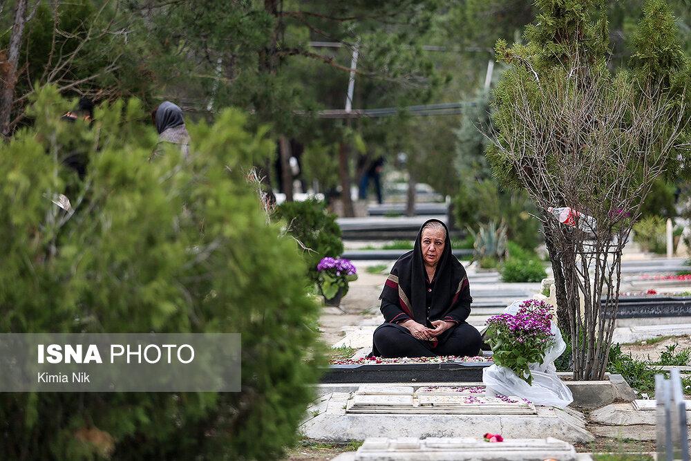 آخرین پنجشنبه سال در بهشت زهرا - 10