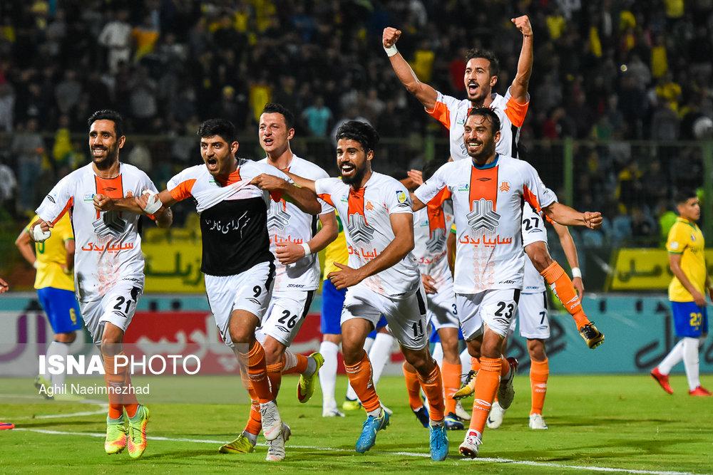 یک چهارم نهایی جام حذفی- دیدار تیمهای فوتبال صنعت نفت آبادان و سایپا - 22