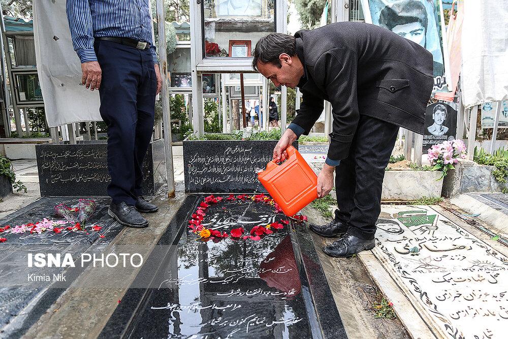 آخرین پنجشنبه سال در بهشت زهرا - 25