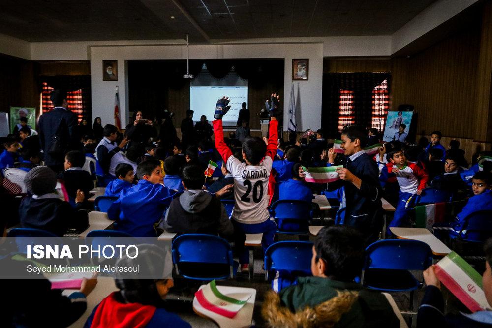 تماشای بازی پرسپولیس و کاشیما آنتلرز ژاپن در مدارس مشهد - 0