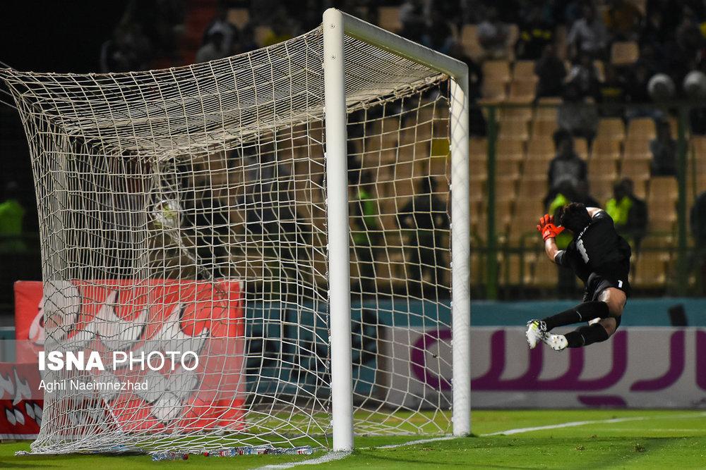 یک چهارم نهایی جام حذفی- دیدار تیمهای فوتبال صنعت نفت آبادان و سایپا - 21