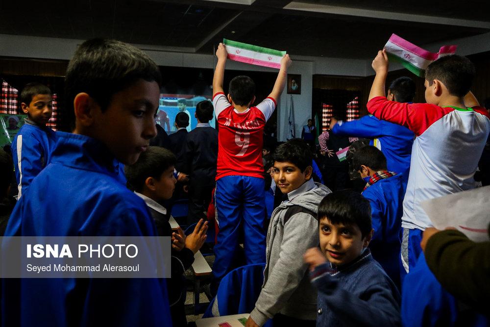 تماشای بازی پرسپولیس و کاشیما آنتلرز ژاپن در مدارس مشهد - 6