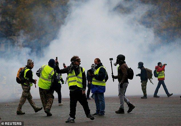 پاریس در تسخیر جلیقه زردها - 4