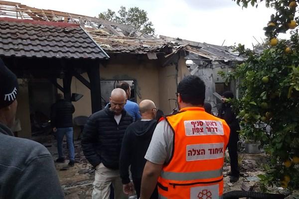 حمله موشکی به تلآویو/ حداقل ۷ صهیونیست زخمی شدند - 11
