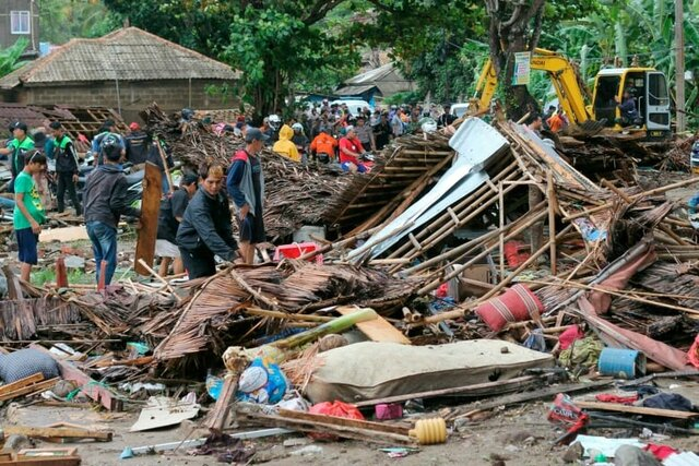 هشدار چندروزه برای بازماندگان سونامی اندونزی + عکس - 20