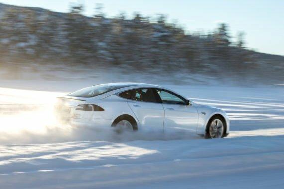 خودروهای برقی در زمستان بدون هیچ مشکلی کار میکنند! - 8