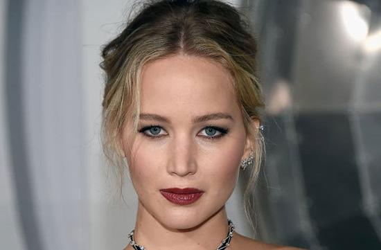 پردرآمدترین بازیگران زن هالیوودی در سال ۲۰۱۸ (عکس) - 17