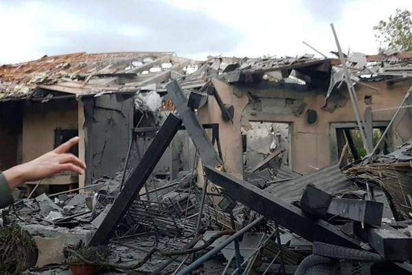 حمله موشکی به تلآویو/ حداقل ۷ صهیونیست زخمی شدند - 9