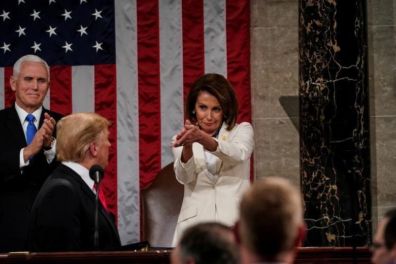 سخنرانی سالیانه ترامپ در کنگره؛ از شعار مرگ بر آمریکا تا حمله به روسیه و چین + تصاویر - 16
