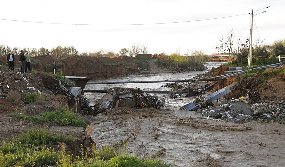 شکستن پل قدیمی بر اثر طغیان رودخانه کن/ عکس - 14