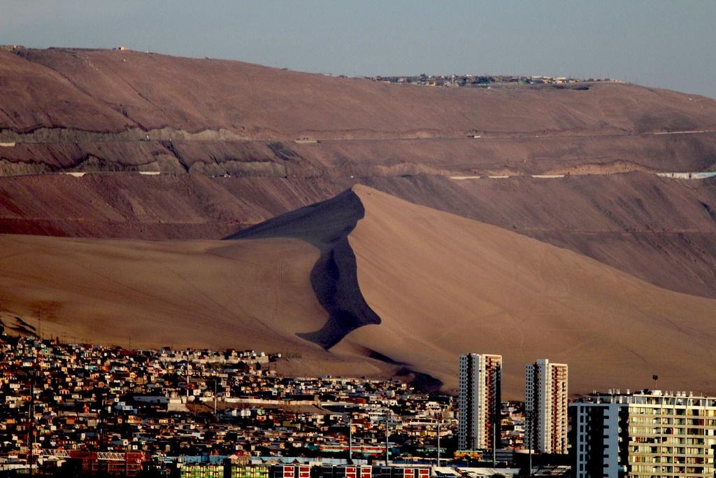 تصاویر همسایگی دریا و شنزار در نمایی دیدنی از تپه اژدها - 6