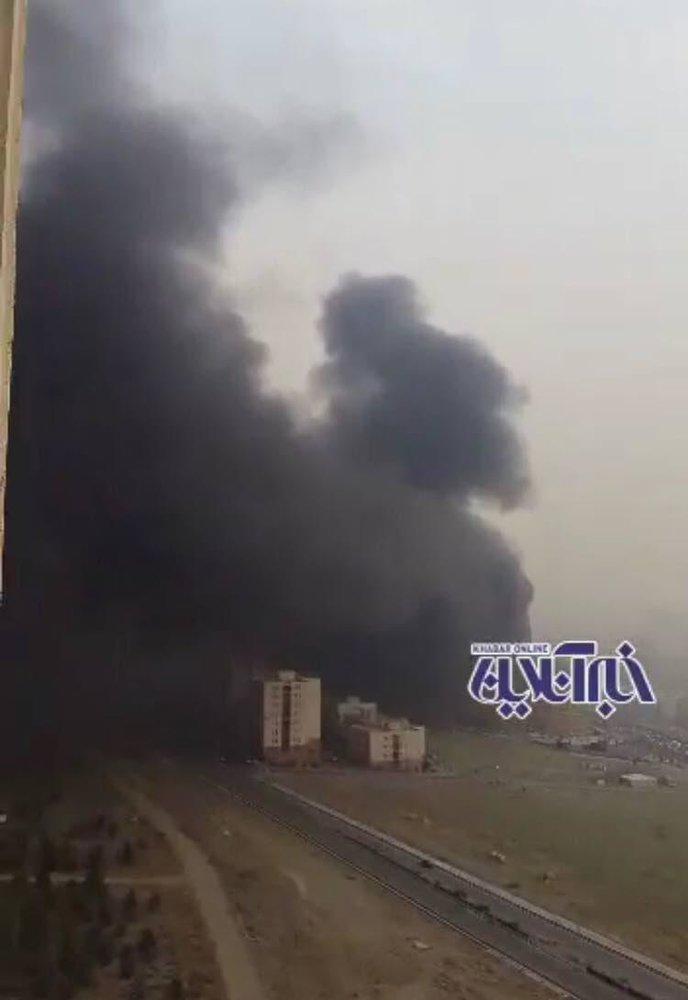 آتش سوزی گسترده در مرکز خرید رزمال در غرب تهران / عکس - 2