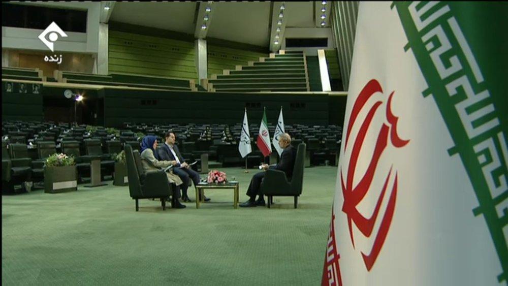 گفتوگوی زنده تلویزیونی متفاوت علی لاریجانی با مردم +عکس - 1