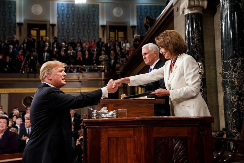 سخنرانی سالیانه ترامپ در کنگره؛ از شعار مرگ بر آمریکا تا حمله به روسیه و چین + تصاویر - 23