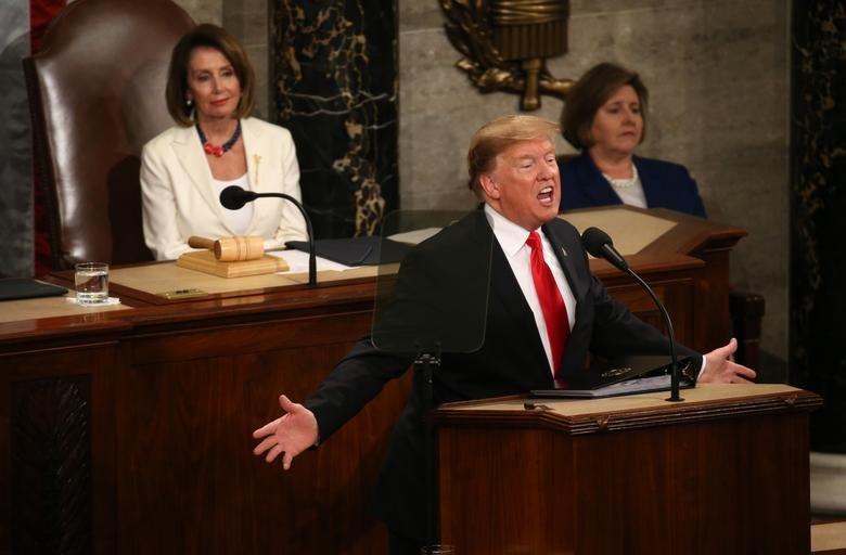 سخنرانی سالیانه ترامپ در کنگره؛ از شعار مرگ بر آمریکا تا حمله به روسیه و چین + تصاویر - 9